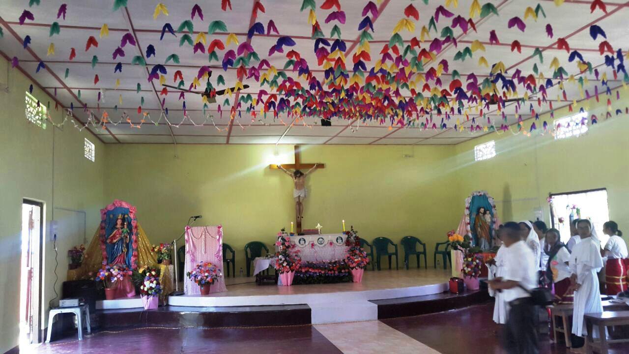 Die Kirchen Einweihungs Messe für die Kirche Zur Göttlichen Barmherzigkeit - Im Jahr der Barmherzigkeit 2016